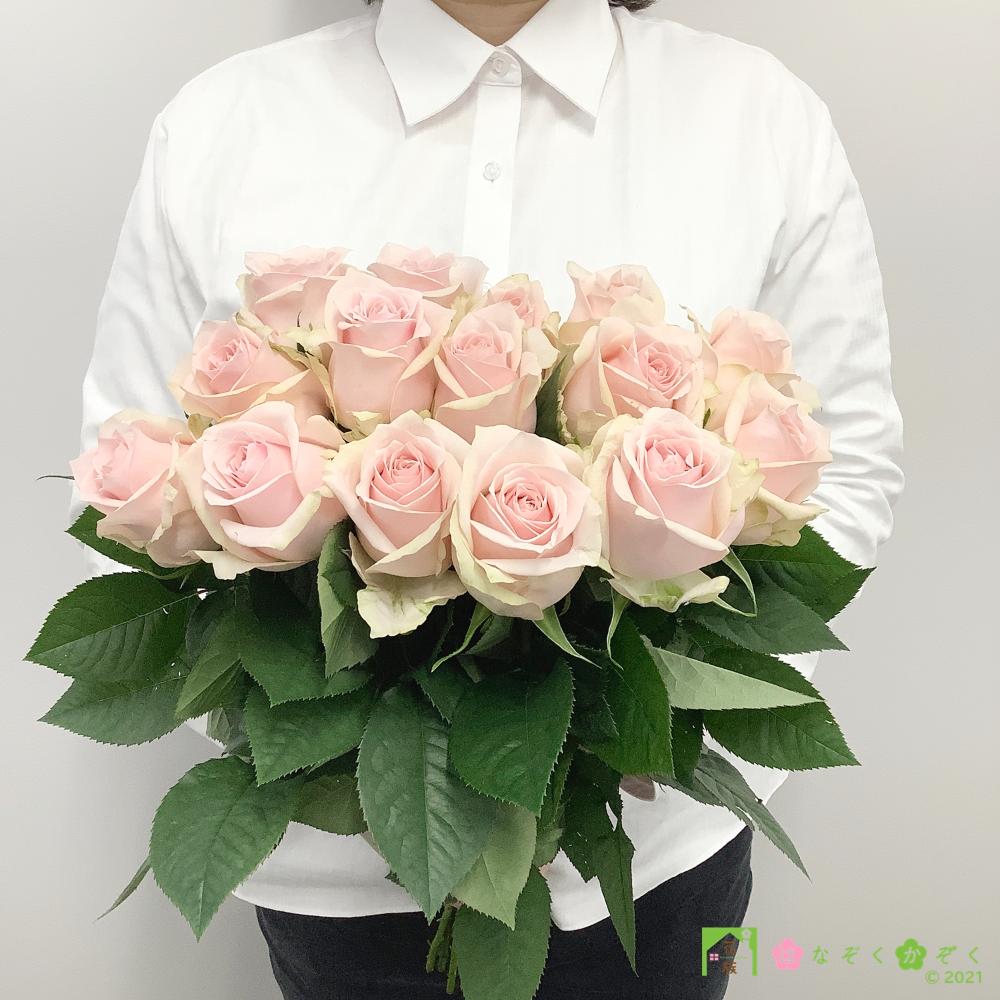 【バラ ピンク】ハウスの中から最もゴージャスなバラをお届け。ソメイユ 15本